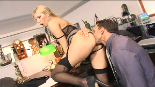 Sperm Hungry Horny Boss Donna Bell